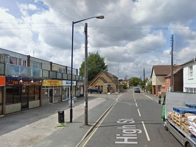 Suspected knife-man arrested after High Street incident