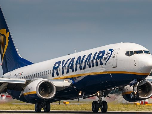 Police called to Ryanair plane for 'disruptive passenger' on Manchester to Gran Canaria flight