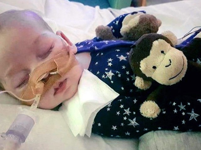 Protesters rally to support baby Charlie Gard's parents as hospital reports threats
