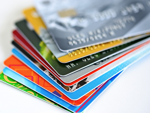 Fewer credit card products but interest-free purchase period rises