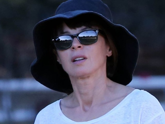 Ewan McGregors Wife Eve Mavrakis 51 Spotted WITHOUT Wedding Ring After Husband Was Caught Kissing Mary Elizabeth Winstead 32 In London Cafe