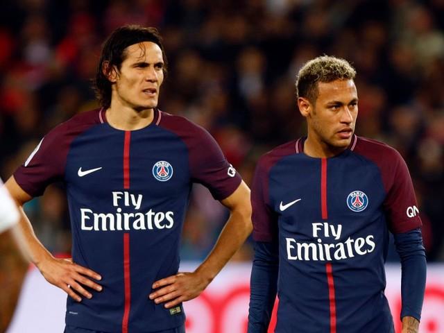 Paris Saint-Germain offer Edinson Cavani stunning cash bonus to give up penalties amid Neymar row