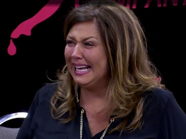 Abby Lee Miller Breaks Down In Final 'Dance Moms' Appearance: 'I Regret Everything'
