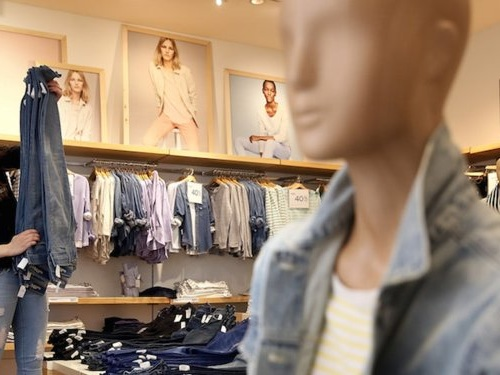 Retailers from Gap to Ralph Lauren are giving up on their flagship stores — and experts say others will have to make big changes to keep the store model from dying