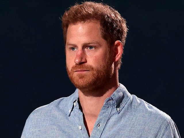 Prince Harry posed for picture with Kaiser Chiefs but warned them not to share it