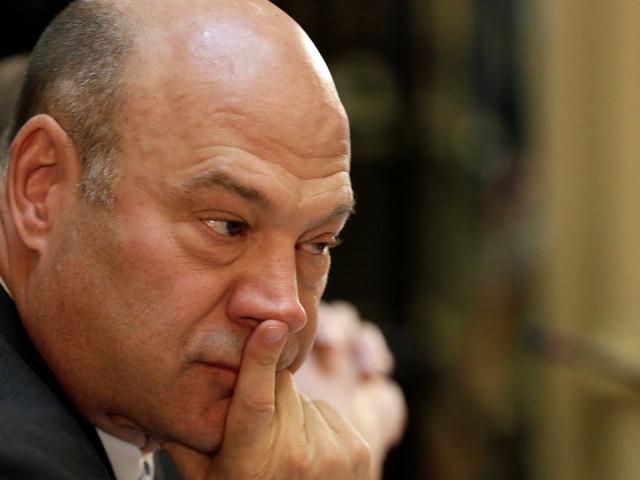 Wall Street Banker Cohn Moving Trump Toward Moderate Policies