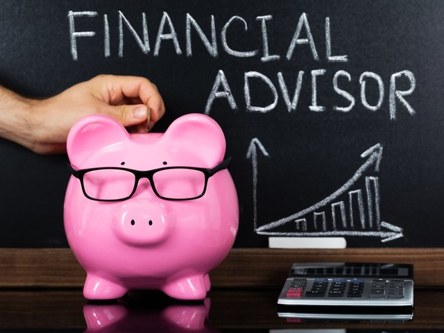 7 Reasons Why You Should Use A Financial Adviser