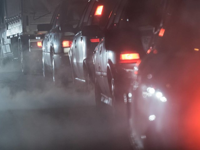 Friday briefing: The UK must ditch its cars to meet vital emissions targets