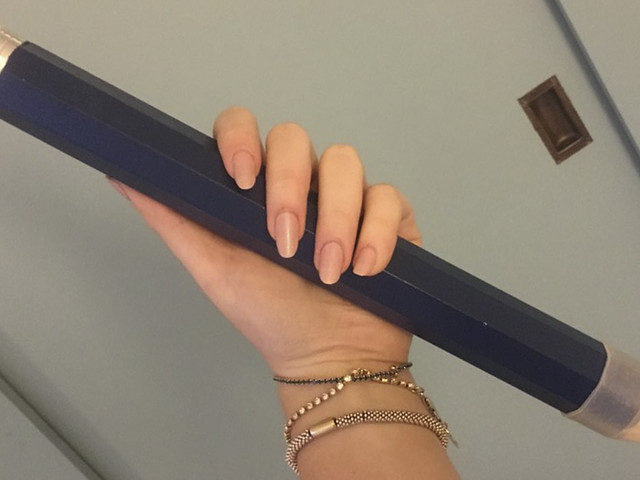 The Way This Woman Uses This GIANT Pencil She Got As A Gift Amuses The Internet