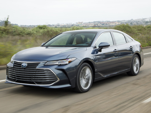 New 2019 Toyota Avalon hybrid boosts fuel economy 10% to 44 mpg combined