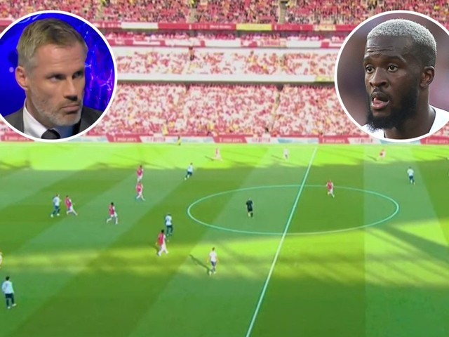 Jamie Carragher lays into Tottenham's midfield against Arsenal and says 'there's less space on the moon'