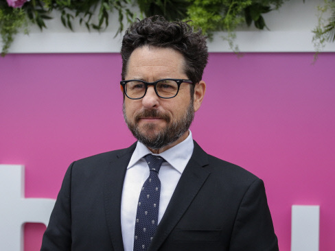 J.J. Abrams to take over delayed 'Star Wars IX': Lucasfilm
