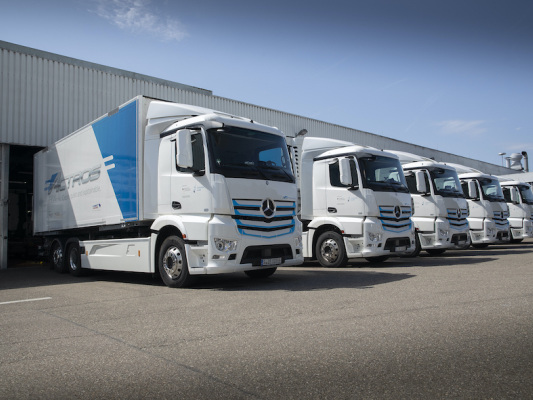 Daimler electric trucks & buses log more than 7M customer kilometers