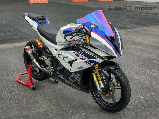 Yamaha R15 modified to look like Rs 85 L worth BMW S1000RR HP4 Race for just Rs 95k