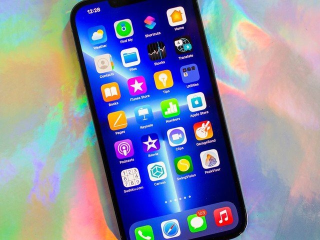 iPhone 13 vs. iPhone 12: Should you save money with Apple's 2020 phone? - CNET