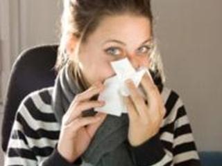 Surgeon reports hazards of not sneezing