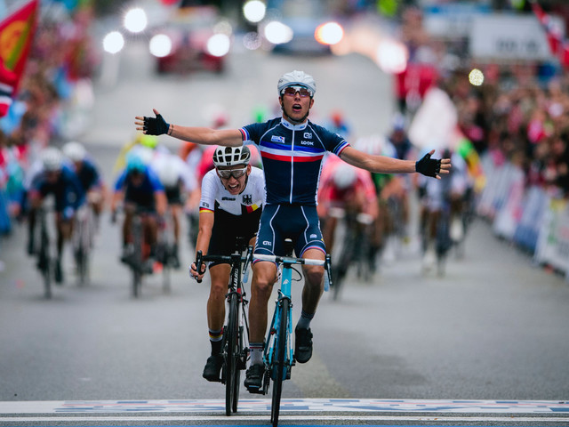 Cosnefroy holds on to secure men's under-23 gold at UCI Road World Championships