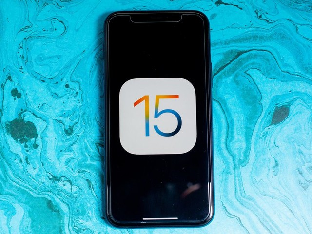 Apple's iOS 15 update arrives Monday, but you might not want to install it right away - CNET