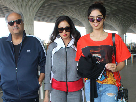 Sridevi, Khushi And The Other Kapoors (Minus Jahnvi) At Airport. See Pics