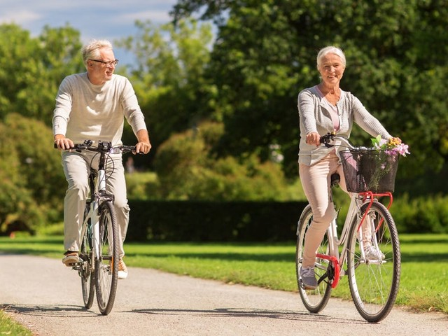 How to prevent heart disease with lifestyle changes and medication