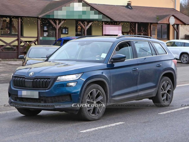 2021 Skoda Kodiaq Facelift Spied On Test Completely Undisguised