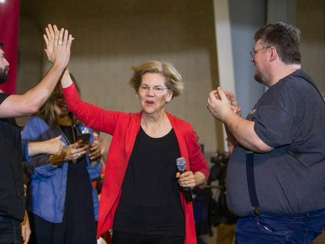 What each 2020 Democratic candidate's walk-out song says about them, according to Pandora's musicologist