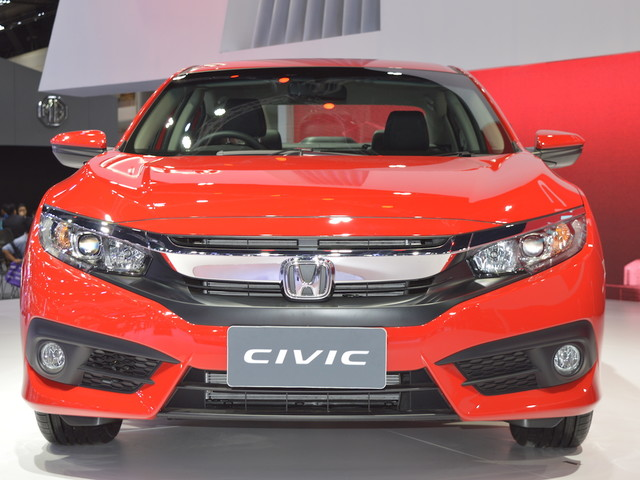 Honda Civic 'Red' at 2017 Thai Motor Expo – Live