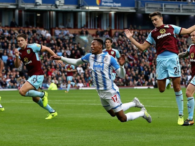 Sean Dyche fumes over Rajiv Van La Parra dive as Dutchman is fined by Huddersfield Town
