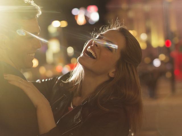 14 Stages Of Being Benched When You're Dating
