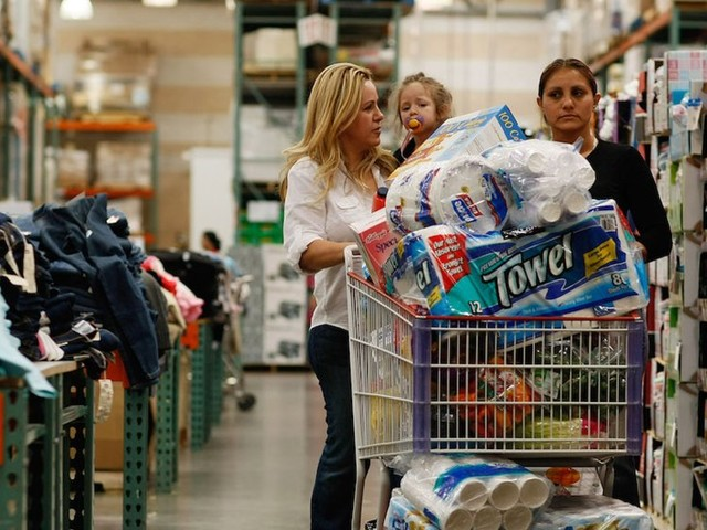 I used Costco and Sam's Club's apps to see which bulk retailer is the king of online shopping — and one of them was the obvious winner