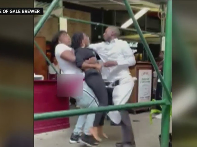 Caught On Video: Carmine's Hostess Attacked After Asking Tourists For Proof Of Vaccination