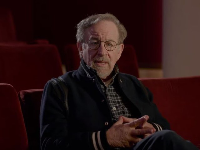 MUST SEE: New Jurassic World: The Ride Featurette Features Steven Spielberg