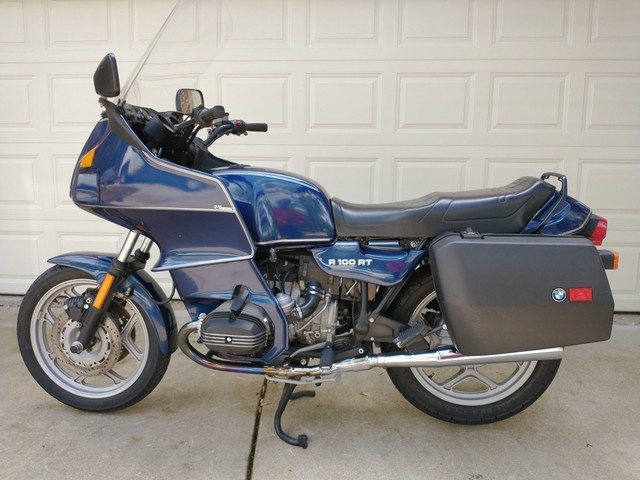 1988 BMW R100RT Comes Into the Spotlight, Could Be Yours for A Modest Sum