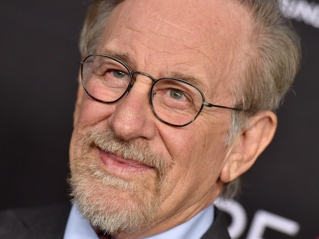 Steven Spielberg is one of the wealthiest filmmakers in the world. Take a look at what the billionaire's life is really like, from his 27-year marriage to his $184 million yacht
