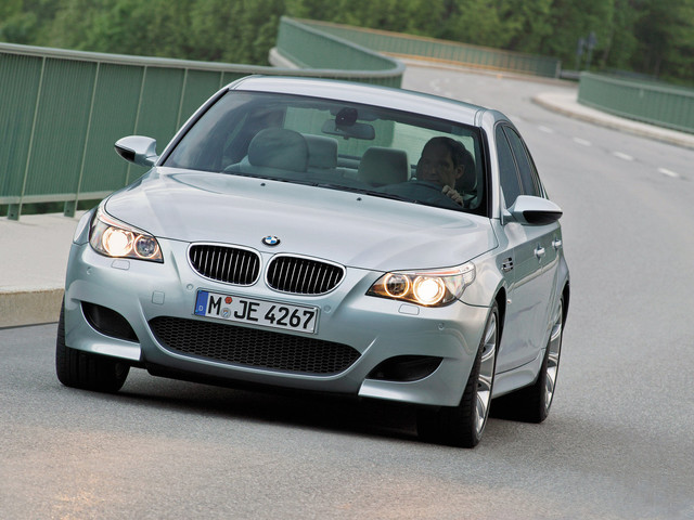 VIDEO: E61 BMW M5 Touring vs Mercedes-Benz E55 AMG vs Audi RS6 Avant