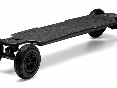 The Evolve Carbon GTR 2-1 – An All-Electric Longboard Made for Any Terrain