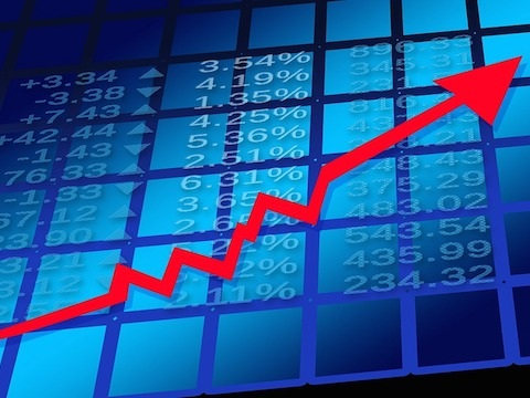 Two growth stocks I'd buy and hold for the next decade
