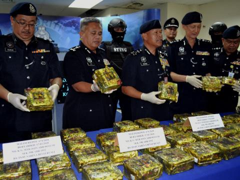 Malacca police seize syabu worth RM3.7m in tea bags, arrest eight