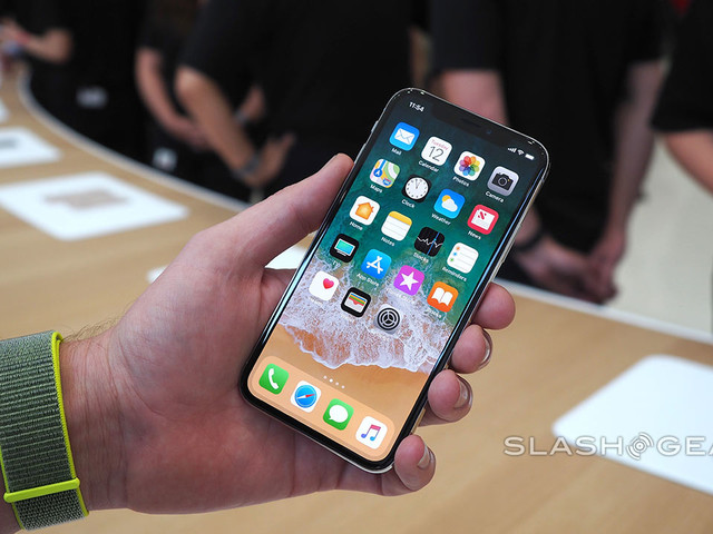 iPhone X Impressions: 'Striking' Display and 'Sensational-Looking' Design Make High Price Worth It