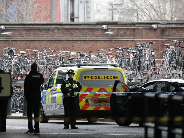 Irish dissident theory probed over London letter bombs