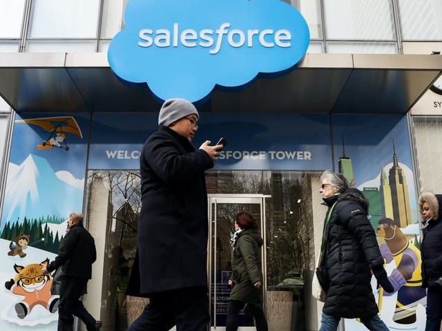 Consolidation is coming to the cloud software market, analysts say, and Salesforce's reported interest in buying Slack is the latest sign