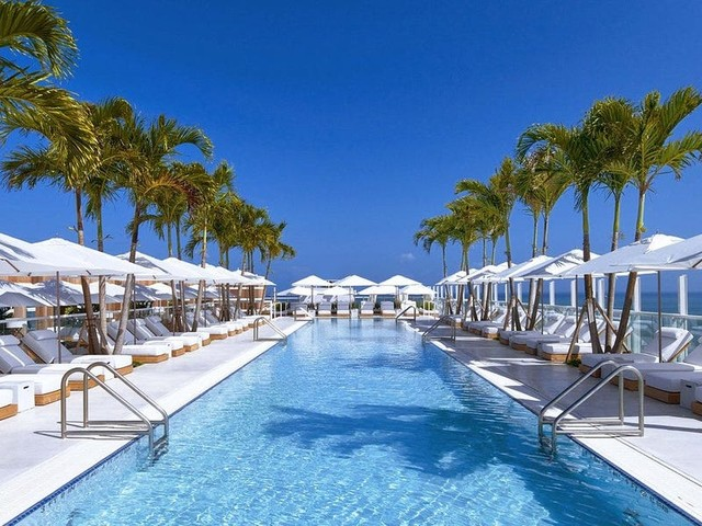 10 hotels in South Florida with gorgeous rooftop pools and lively bars