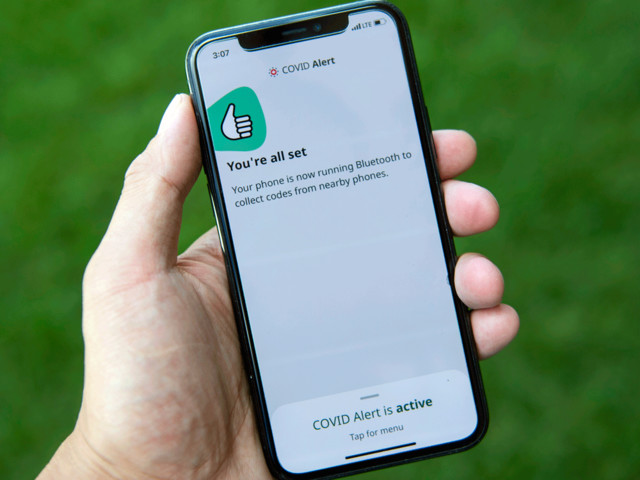 False alarm: How Apple OS glitch is causing worry and confusion for COVID app users in Canada