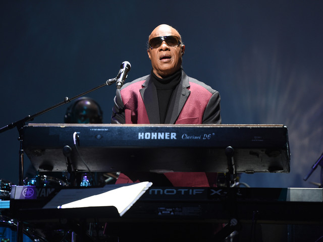 Stevie Wonder Takes a Knee at the Global Citizen Festival (Watch)