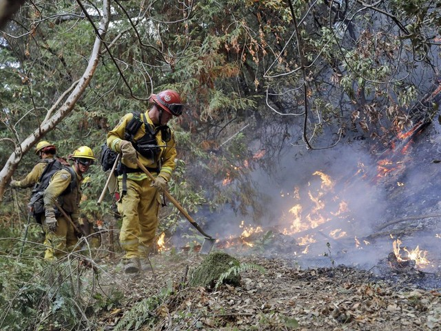 Death toll from California wildfires rises to at least 42