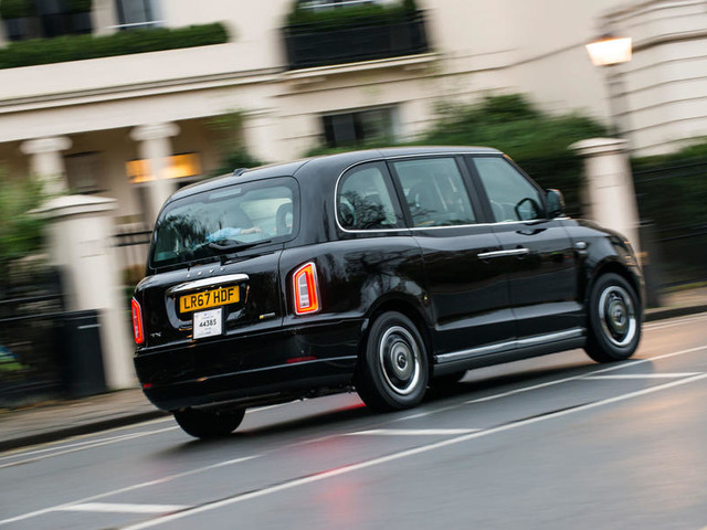 First drive: LEVC TX taxi on the streets of London
