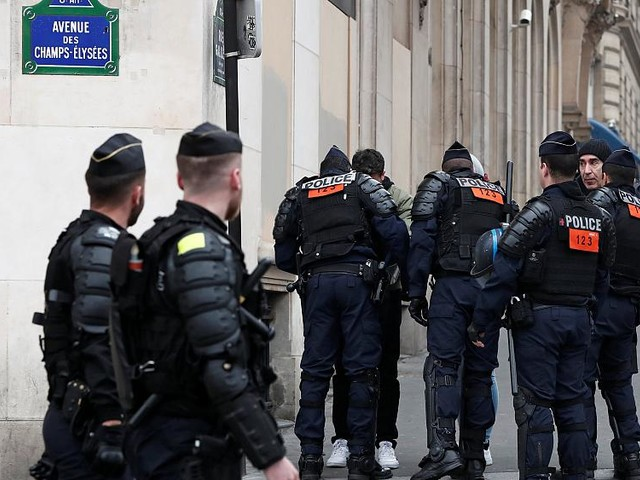 French police demand better working conditions after spike in suicides