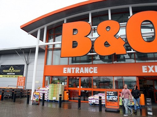 FTSE LIVE: B&Q boosted by heatwave; Royal London bemoans sluggish economic growth; FTSE in the green