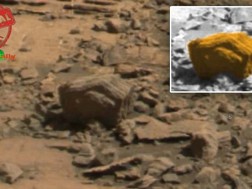 Conspiracy theorists claim to have spotted a hand on Mars