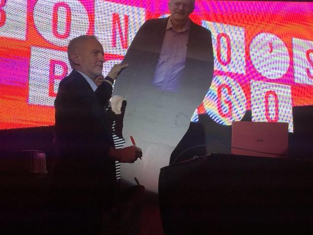 Jeremy Corbyn Plays Bingo With Singing Fans In Liverpool Club